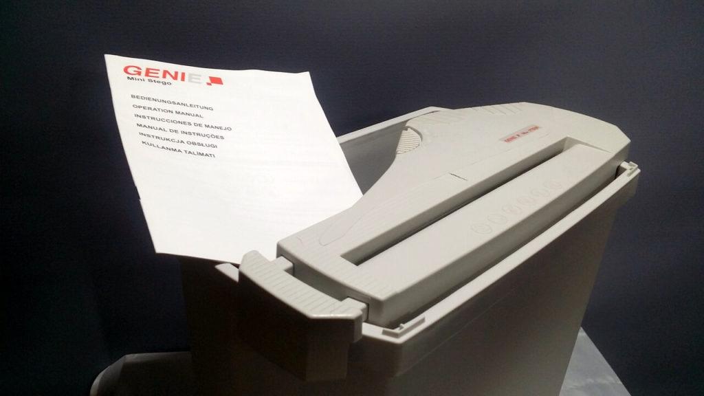 Bedienungsanleitung, Schredder und Auffangbehälter