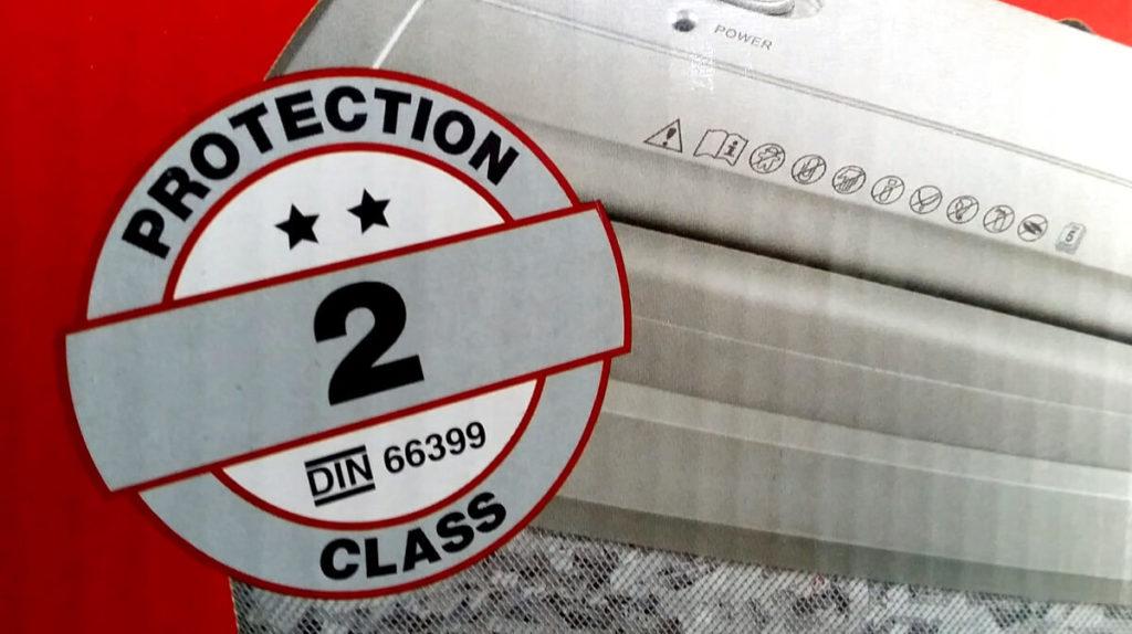 Schutzklasse 2 auf einem Karton